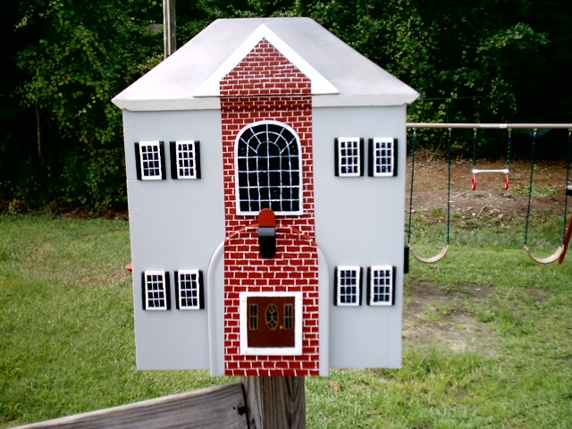 2 story house mailbox